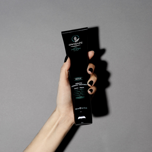 1_awg_social_media_J_2018_product_in_hand_keratin_intensive_treatment